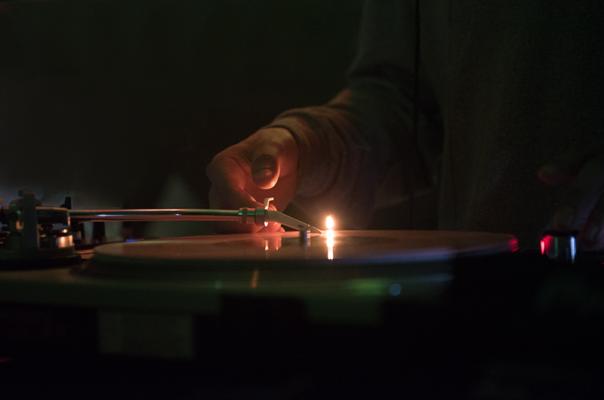 Lakssya takes event photos - DJ concert