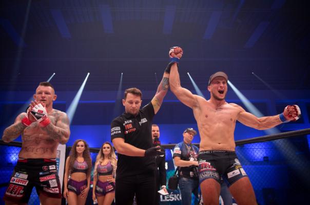 Lakssya creates event photos - MMA